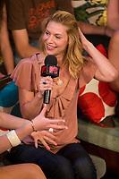2007 07 25 Claire Danes - MTV-CB