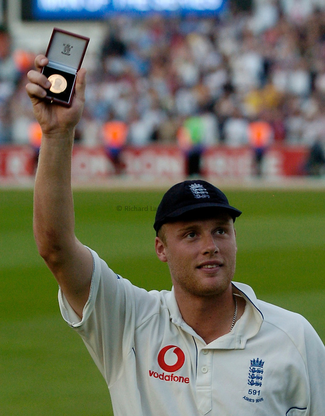 Photo: Glyn Thomas..England v Australia. nPower Test Series. The Ashes 2005..12/09/2005..Andrew Flintoff celebrates being named man of the series.