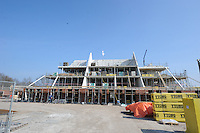 ALGEMEEN: LANGWEER: 28-03-2014, Aannemingsbedrijf Friso uit Balk bouwt voor<br /> Woningcorporatie Wonen Zuidwest Friesland het woonzorgcomplex van Maeykehiem in Langweer. Het gebouw biedt in de toekomst huisvesting en intensieve zorg aan 27 cli&euml;nten met een verstandelijke en/of een lichamelijke beperking, &copy;foto Martin de Jong<br /> Het gebouw biedt in de toekomst huisvesting en intensieve zorg aan 27 cli&euml;nten met een verstandelijke en/of een lichamelijke beperking, &copy;foto Martin de Jong
