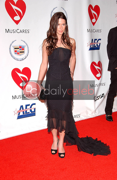 Rhona Mitra<br />at the 2006 MusiCares Person of the Year Gala. Los Angeles Convention Center, Los Angeles, CA 02-06-06<br />Dave Edwards/DailyCeleb.com 818-249-4998