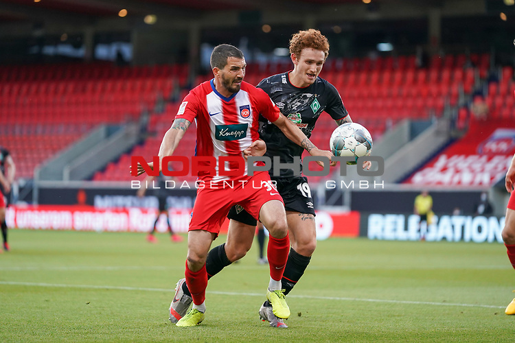 Norman Theuerkauf (1. FC Heidenheim 1846 #30), Joshua Sargent (Werder Bremen #19)<br /> <br /> <br /> Sport: nphgm001: Fussball: 1. Bundesliga: Saison 19/20: Relegation 02; 1.FC Heidenheim vs SV Werder Bremen - 06.07.2020<br /> <br /> Foto: gumzmedia/nordphoto/POOL <br /> <br /> DFL regulations prohibit any use of photographs as image sequences and/or quasi-video.<br /> EDITORIAL USE ONLY<br /> National and international News-Agencies OUT.