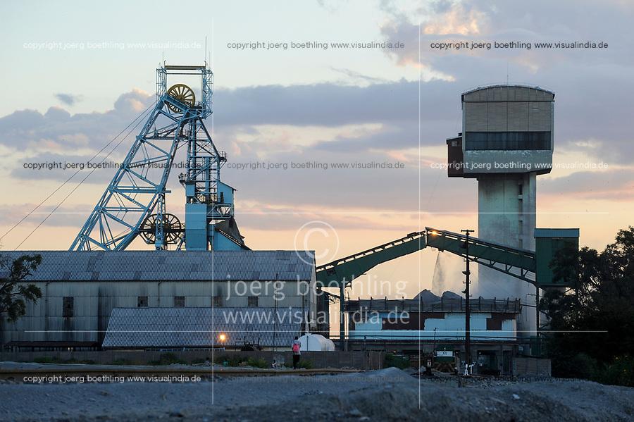ZAMBIA copperbelt town Kitwe , Chambishi copper mine belongs to chinese Group CNMC China Nonferrous metal mining Co. Ltd / SAMBIA Kitwe im copperbelt, Kupfermine und Schmelze Chambishi Copper Mine gehoert zur chinesischen Firmen Gruppe CNMC China Nonferrous metal mining Co. Ltd