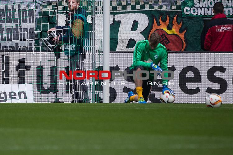 09.04.2016, Weser Stadion, Bremen, GER, 1.FBL, SV Werder Bremen vs FC Augsburg, im Bild Felix Wiedwald (Werder Bremen #42) <br /> <br /> <br /> <br /> Foto &copy; nordphoto / Woratschka<br /> <br /> <br /> <br /> Foto &copy; nordphoto / Woratschka