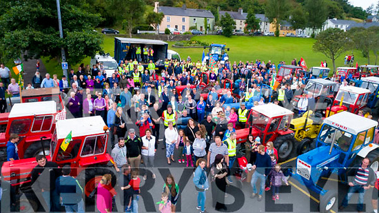 One hundred and seven tractors took part in the Sean Ó Sé Memorial Tractor run on Sunday with all proceeds going to the Skellig Stars.