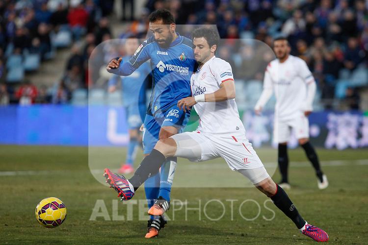 Getafe´s Diego Castro and Sevilla´s Arribas during 2014-15 La Liga match at Alfonso Perez Coliseum stadium in Getafe, Spain. February 08, 2015. (ALTERPHOTOS/Victor Blanco)