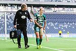 Stockholm 2015-04-11 Fotboll Damallsvenskan Hammarby IF DFF - Mallbackens IF Sunne  :  <br /> Mallbackens Eilish McSorley har skadat sig och har ett bandage &ouml;ver l&aring;ret under matchen mellan Hammarby IF DFF och Mallbackens IF Sunne  <br /> (Foto: Kenta J&ouml;nsson) Nyckelord:  Fotboll Damallsvenskan Dam Damer Tele2 Arena Hammarby HIF Bajen Mallbacken skada skadan ont sm&auml;rta injury pain depp besviken besvikelse sorg ledsen deppig nedst&auml;md uppgiven sad disappointment disappointed dejected