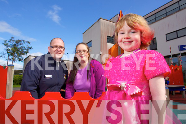 Ava Diggin 5 from Killorglin pictured with her parents Emir and Jonathan.