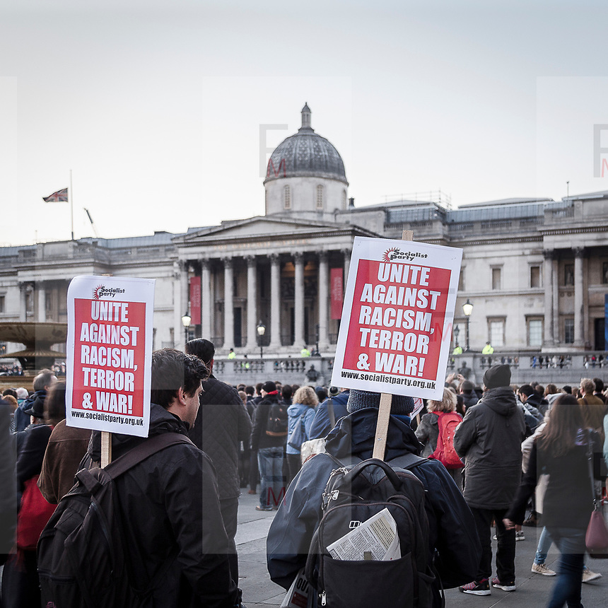Londra il giorno dopo l'incidente a Westminster: la commemorazione in Trafalgar Square<br /> <br /> London: the day after the accident in Westminster. Commemoration of the victims in Trafalgar Square