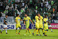 PALMIRA -COLOMBIA-04-12-2016: Deportivo Cali y Atlético Bucaramanga durante partido de vuelta de los cuadrangulares finales de la Liga Aguila II 2016 jugado en el estadio Palmaseca de la ciudad de Palmira./ Deportivo Cali and Atletico Bucaramanga during second leg match for the quarter finals of the Aguila League II 2016 played at Palmaseca stadium in Cali.  Photo: VizzorImage/ NR /Cont