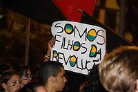 SÃO PAULO,SP,18 JUNHO 2013 - PROTESTO CONTRA AUMENTO DA  TARIFA - PRAÇA DA SÉ  - Manifestantes se reúnem na Praça da Sé em protesto  contra o aumento da tarifa e também sobre serviços públicos  em SP nesta terça feira (18) FOTO ISABELLE ANDRADE -BRASIL PHOTO PRESS