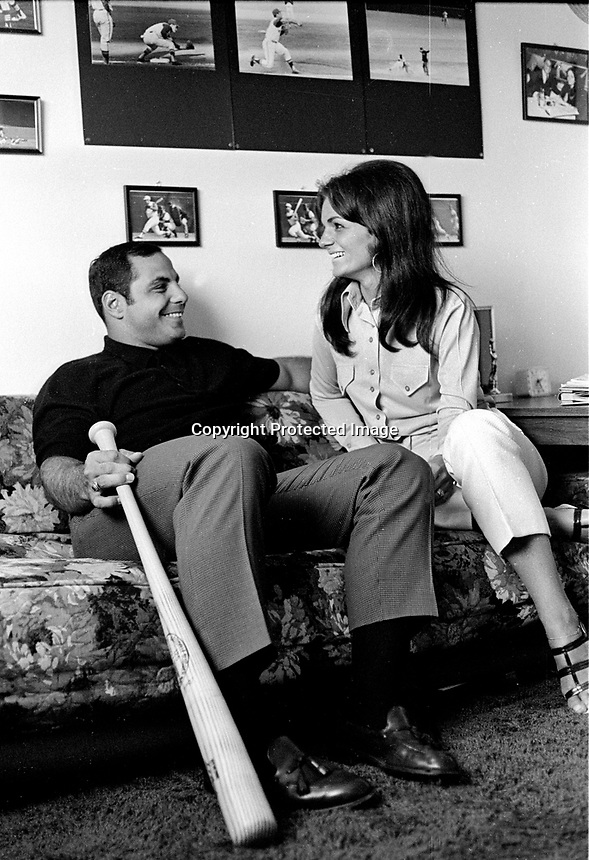 Oakland Athletics third baseman Sal Bando at home with his wife Sandy. (1972 photo/Ron Riesterer)