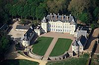 Europe/France/Pays de la Loire/49/Maine-et-Loire/Mazé: Le château de Montgeoffroy -  vue aérienne