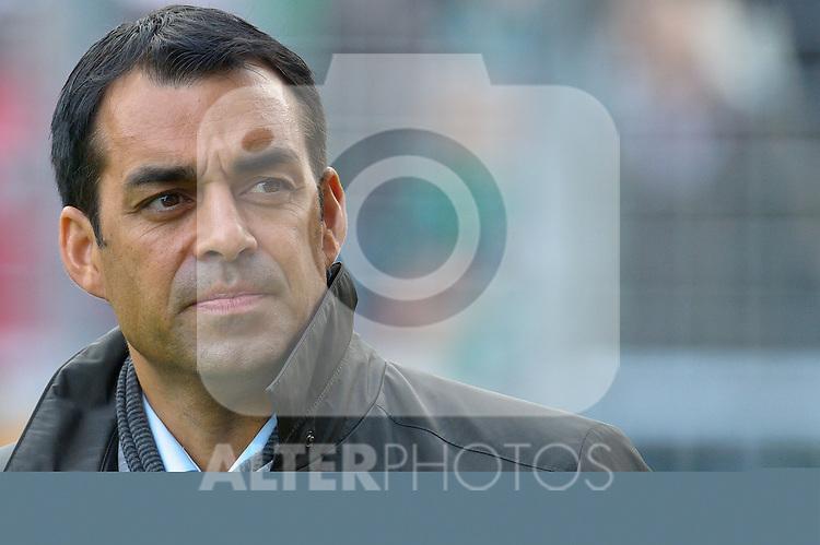 16.10.2010, Weser Stadion, Bremen, GER, 1.FBL, Werder Bremen vs SC Freiburg im Bild   Robin Dutt ( Freiburg #Cheftrainer COACH )   Foto © nph / Kokenge