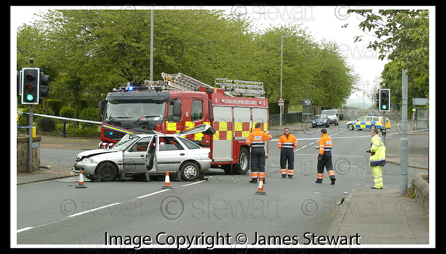 05/08/2008  Copyright Pic: James Stewart.File Name : sct_jspa03_gary_trotter.THE SCENE IN BO'NESS AT THE LINLITHGOW ROAD / DEAN ROAD JUCTION WHERE THE DRIVER OF A CAR WAS KILLED WHEN IT WAS IN COLLISION WITH A FIRE ENGINE DRIVEN BY GARY TROTTER.....(see copy from Jamies Beatson / Tim Bugler)....James Stewart Photo Agency 19 Carronlea Drive, Falkirk. FK2 8DN      Vat Reg No. 607 6932 25.Studio      : +44 (0)1324 611191 .Mobile      : +44 (0)7721 416997.E-mail  :  jim@jspa.co.uk.If you require further information then contact Jim Stewart on any of the numbers above........