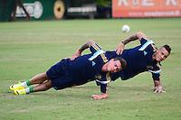 SÃO PAULO. SP 16.05.2014. PALMEIRAS / TREINO - Bernardo e França do Palmeiras durante o treino na Academia de Futebol zona oeste nesta sexta-feira 16. ( Foto : Bruno Ulivieri / Brazil Photo Press )