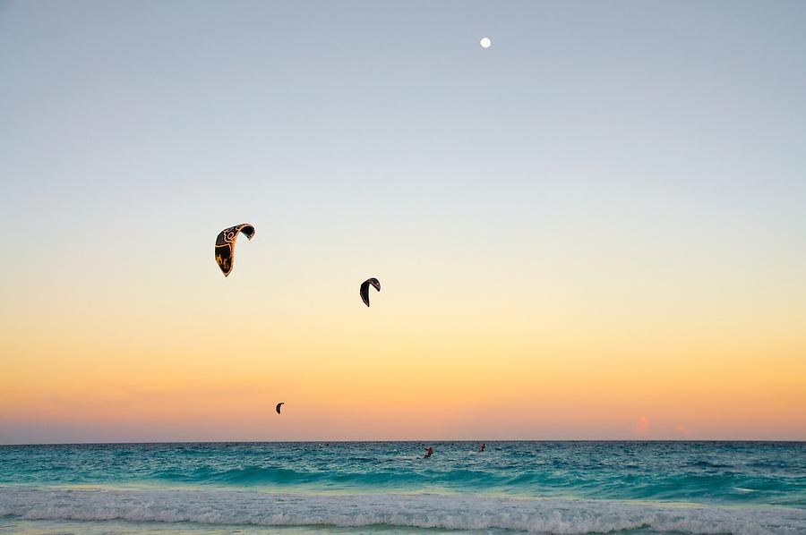 Kitesurfing, Tulum, Mexico