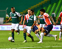 PALMIRA - COLOMBIA, 02-09-2018: Macnelly Torrres (Izq) y Jose Sand (C) del Deportivo Cali disputa el balón con Rafael Perez (Der) de Atlético Junior durante partido por la fecha 7 de la Liga Aguila II 2017 jugado en el estadio Palmaseca de Cali. / Macnelly Torres (L) and Jose Sand (C) player of Deportivo Cali fights for the ball with Rafael Perez (R) player of Atletico Junior during match for the date 7 of the Aguila League II 2017 played at Palmaseca stadium in Cali.  Photo: VizzorImage/ Nelson Rios / Cont