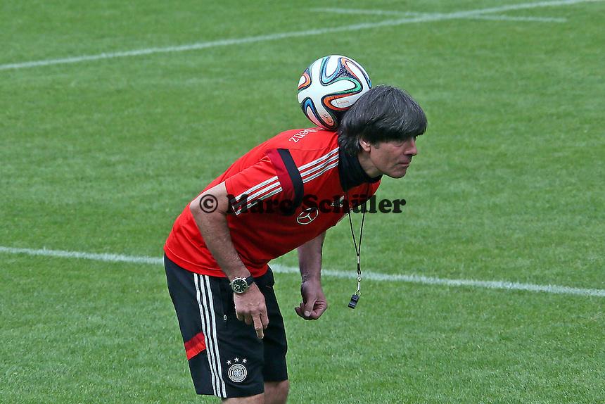 Bundestrainer Joachim Löw - Training der Deutschen Nationalmannschaft   im Rahmen der WM-Vorbereitung in St. Martin
