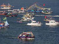 NITER&Oacute;I - RIO DE JANEIRO - RJ,  29 DE JUNHO 2012,  Prociss&atilde;o Mar&iacute;tima de S&atilde;o Pedro padroeiro dos pescadores.   Nesta manh&atilde; de sexta feira (29), foi realizada uma tradicional prociss&atilde;o mar&iacute;tima, realizada pela Col&ocirc;nia de Pescadores de Jurujuba da cidade de Niter&oacute;i - RJ.<br /> Essa prociss&atilde;o mar&iacute;tima saiu de Jurujuba as 12 horas em ponto e com percurso pela orla das prais de Icara&iacute;, Boa Viagem e indo at&eacute; enfrente ao Mercado de peixe S&atilde;o Pedro no Centro da cidade de Niter&oacute;i - RJ.<br /> FOTO RONALDO BRAND&Atilde;O/BRASIL PHOTO PRESS
