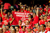 CALI - COLOMBIA -11-02-2017: Hinchas de America de Cali, animan a su equipo, durante partido America de Cali y Atletico Junior, por la fecha 3 de la Liga Aguila I 2017 jugado en el estadio Pascual Guerrero de la ciudad de Cali. / Fans of America de Cali, cheer for their team during a match between America de Cali and Atletico Junior, for the date 3 of the Liga Aguila I 2017 at the Pascual Guerrero stadium in Cali city. Photo: VizzorImage / Nelson Rios / Cont.