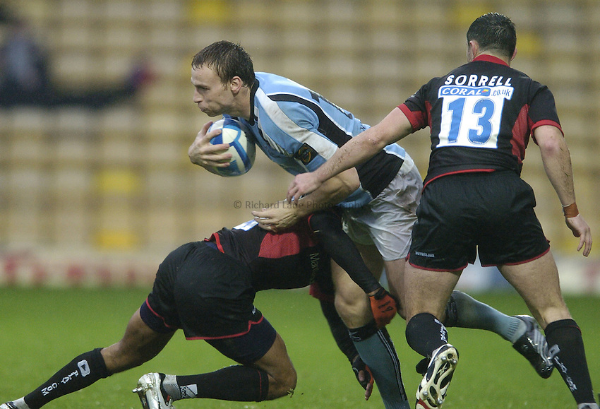 Photo: Jonathan Butler..Saracens v Glasgow Rugby. European Challenge Cup. 22/10/2006..Dan Parks of Glasgow is tackled.