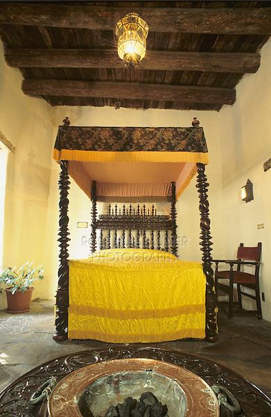 Spanish Bed, San Antonio, Texas, USA, September 2003