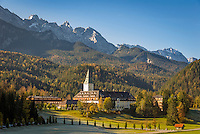 Germany, Upper Bavaria, Werdenfelser Land, near Klais: 5-Stars-Hotel Castle Elmau - Cultural Hideaway and Luxury Spa with Wetterstein mountains | Deutschland, Bayern, Oberbayern, Werdenfelser Land, bei Klais: 5-Sterne-Hotel Schloss Elmau - Cultural Hideaway and Luxury Spa vorm Wettersteingebirge