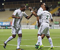 BOGOTA -COLOMBIA. 26-02-2014. Henry Hernandez ( Der) de La Equidad celebra su gol con Jose Moreno  contra el Deportivo Pasto  partido por la octava   fecha de La liga Postobon 1 disputado en el estadio Metropolitano de Techo . /   Henry (R)  of La Equidad  celebrates his goal with Jose Moreno  against  Deportivo Pasto  of  eight round during the match  of The Postobon one league  at the Metropolitano of Techo Stadium . Photo: VizzorImage/ Felipe Caicedo / Staff