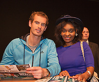 10-02-14, Netherlands,Rotterdam,Ahoy, ABNAMROWTT,Andy Murray(GBR) signing autographs<br /> Photo:Tennisimages/Henk Koster