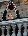 TENIS, BEOGRAD, 06. Dec. 2010. - Novak Djokovic. Vise hiljada gradjana se okupilo veceras ispred Starog dvora kako bi pozdravili tenisere Srbije i strucni stab - povodom osvajanja Dejvis kupa. Foto: Nenad Negovanovic