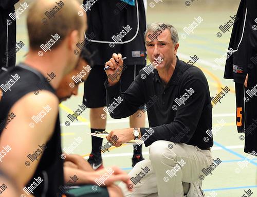 2011-10-15 / Basketbal / seizoen 2011-2012 / BBC Ekeren / Philippe HOORNAERT..Foto: Mpics