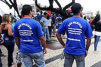 RIO DE JANEIRO,29 DE  JANEIRO DE 2012- Bombeiros realizam manifestação na  praia de  Copacabana, por  melhores salários, policiais  militares,civis e guardas municipais apoiam a  manifestação.<br /> Local : Praia  de  Copacaba- RJ<br /> Foto: Guto Maia /  News Free