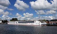 Nederland - Zaandam- 2020. Haven van Zaandam. Rivier cruiseschip Arosa.  Foto ANP / Hollandse Hoogte / Berlinda van Dam