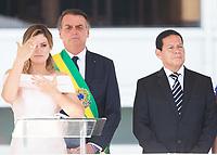BRASILIA, DF, 01.01.2019 - BOLSONARO-POSSE-    A primeira-dama, Michele Bolsonaro, usa linguagem de libras antes do discurso do presidente empossado, Jair Bolsonaro, nesta terça-feira, 01(Foto:Ed Ferreira / Brazil Photo Press)