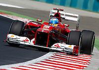 BUDAPESTE, 27 JULHO 2012 - F1 GP DA HUNGRIA -  O piloto espanhol Fernando Alonso da equipe Ferrari durante treino para o GP da Hungria que acontece nesse final de semana em Budapeste. (FOTO PIXATHLON / BRAZIL PHOTO PRESS).