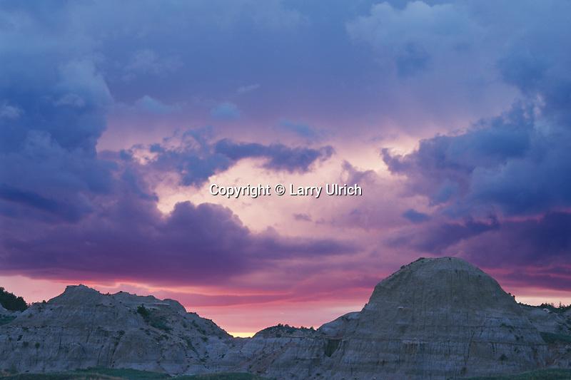 Sunset from Badlands Overlook <br /> South Unit <br /> Theodore Roosevelt National Park <br /> North Dakota