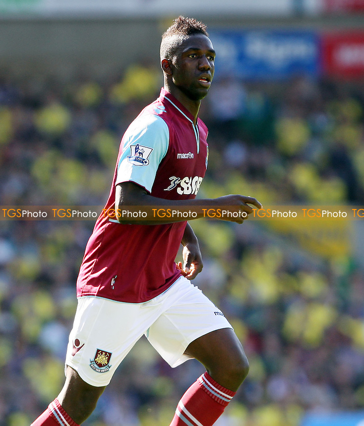 Modibo Maiga of West Ham - Norwich City vs West Ham United, Barclays Premier League at Carrow Road, Norwich - 15/09/12 - MANDATORY CREDIT: Rob Newell/TGSPHOTO - Self billing applies where appropriate - 0845 094 6026 - contact@tgsphoto.co.uk - NO UNPAID USE.