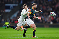 Willie le Roux of South Africa passes the ball. Old Mutual Wealth Series International match between England and South Africa on November 12, 2016 at Twickenham Stadium in London, England. Photo by: Patrick Khachfe / Onside Images