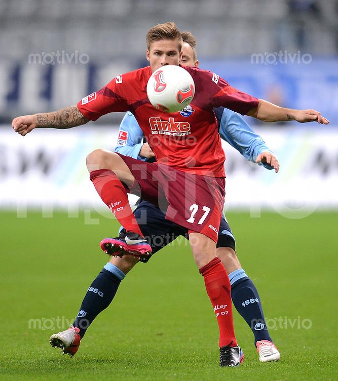 Fussball 2. Bundesliga:  Saison   2012/2013,    16. Spieltag  TSV 1860 Muenchen - SC Paderborn  27.11.2012 Tobias Kempe (SC Paderborn 07)