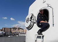 NAPOLI     DELLA NAVE HNLMS DE RUYER NAVE AMMIRAGLIA DEL GRUPPO PERMANENTE MARITTIMO DELLA NATO .FOTO CIRO DE LUCA