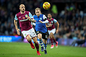 4th November 2017, Villa Park, Birmingham, England; EFL Championship football, Aston Villa versus Sheffield Wednesday; Barry Bannan of Sheffield Wednesday still chasing the ball hard at the end of the game even though Alan Hutton of Aston Villa has the situation under control