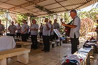 Israele,galilea, church of beatitudes,sacerdoti della confraternita della speranza, una comunità cattolica con voti di castità venuti dagli Stati Uniti  in terra santa per un pellegrinaggio.