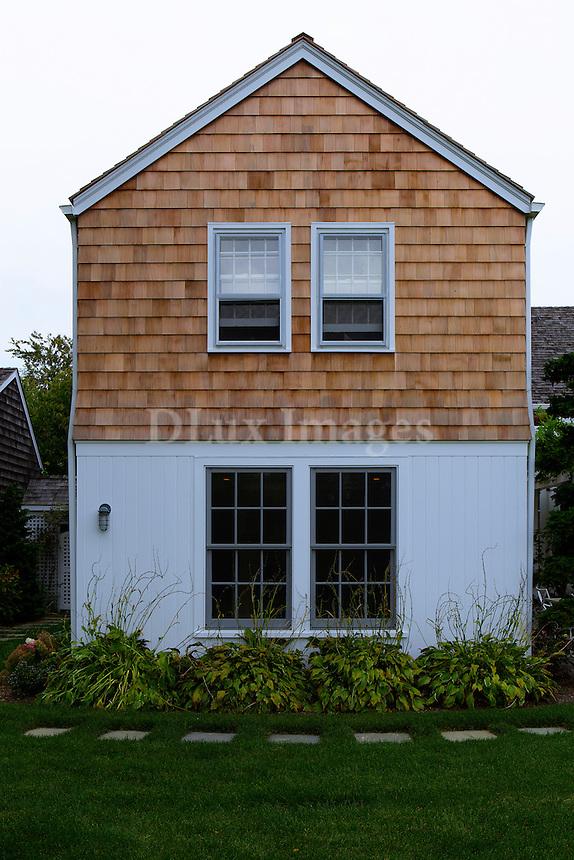 summer house's facade