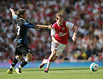 Arsenal's Alexander Hleb and Inters . .Pic SPORTIMAGE/David Klein