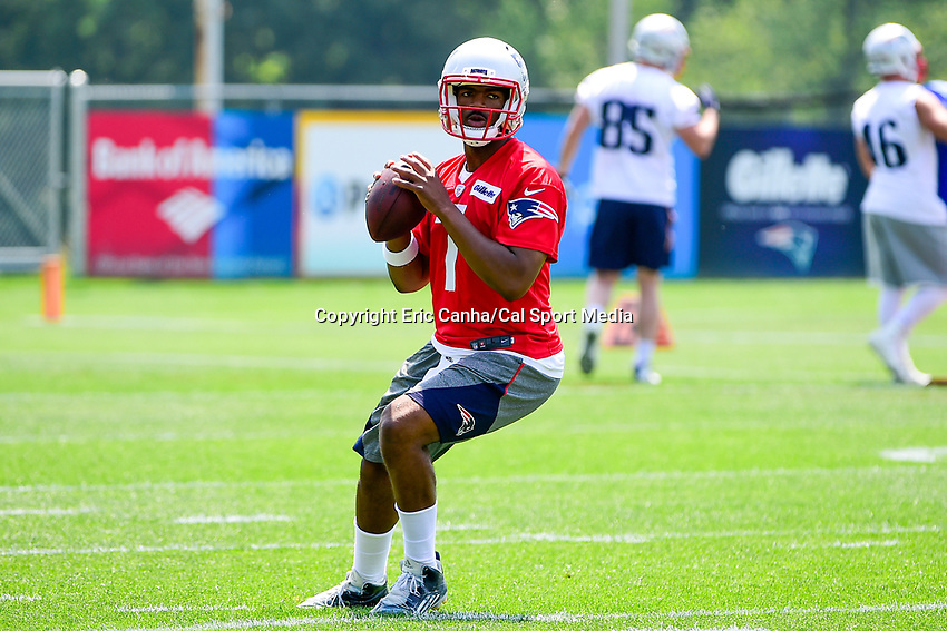 June 13, 2017: New England Patriots quarterback Jacoby Brissett (7) throws a pass at the New England Patriots organized team activity held on the practice field at Gillette Stadium, in Foxborough, Massachusetts. Eric Canha/CSM
