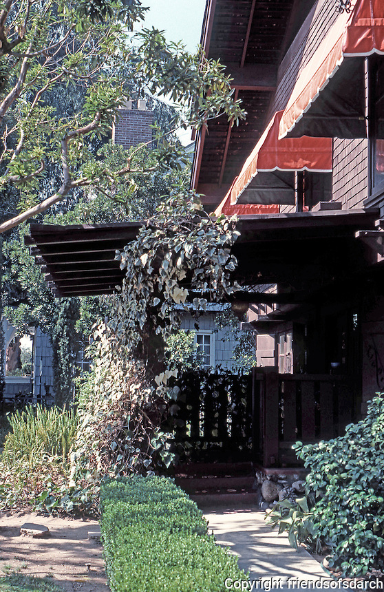 Greene & Greene: Van Rossen House. Projecting eaves.  Photo '84.