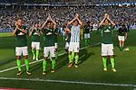 10.09.2017, Olympiastadion, Berlin, GER, 1.FBL, Hertha BSC vs SV Werder Bremen<br /> <br /> im Bild<br /> Ludwig Augustinsson (Werder Bremen #5), Jerome Gondorf (Werder Bremen #8), Fin Bartels (Werder Bremen #22), Thomas Delaney (Werder Bremen #6), Max Kruse (Werder Bremen #10) bedanken sich bei Fans f&uuml;r Unterst&uuml;tzung mit Applaus, <br /> <br /> Foto &copy; nordphoto / Ewert