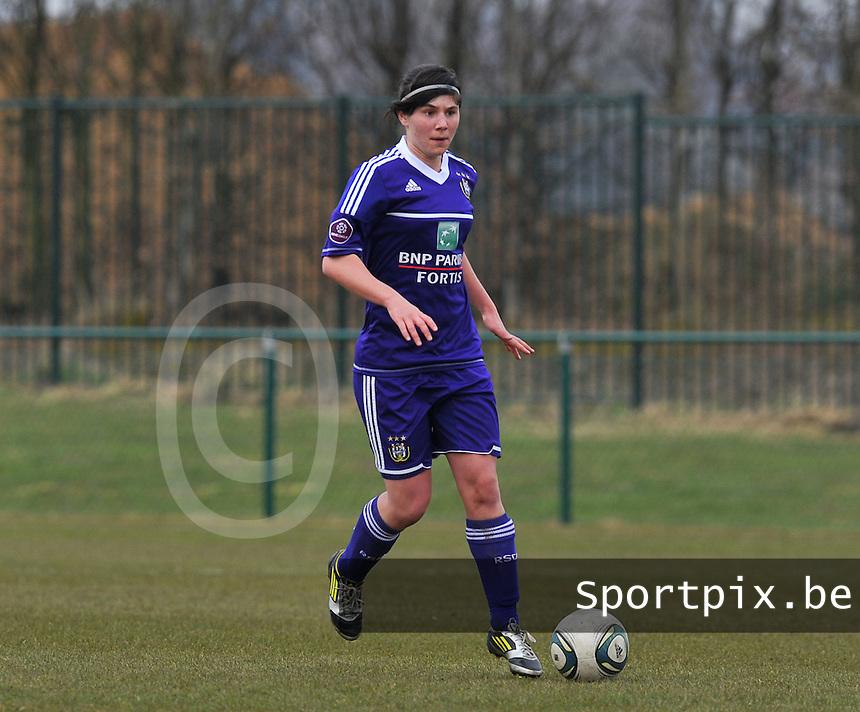RSC Anderlecht Dames : Annelies Van Loock.foto DAVID CATRY / Vrouwenteam.be