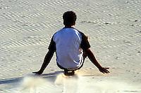 Fortaleza_CE, Brasil...Homem fazendo surf de areia em Fortaleza...A man doing sand surf in Fortaleza...FOTO: BRUNO MAGALHAES / NITRO