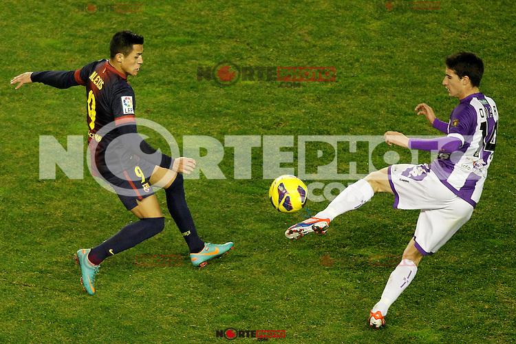 Real Valladolid's Omar Ramos (r) and FC Barcelona's Alexis Sanchez during La Liga match.December 22,2012. (ALTERPHOTOS/Acero) /NortePhoto